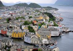 An 8-day itinerary for Scandinavia, traveling through Copenhagen, Oslo, Bergen, Alesund and Stockholm. The one-week itinerary (or 8-day itinerary) of Scandinavia which covers all the important destinations and sights of Scandinavia in one tour.