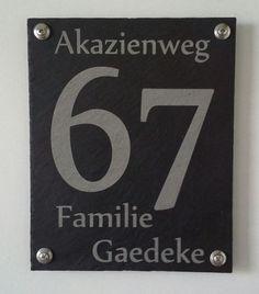 Hausnummer/Türschild aus Schiefer von Willkommen bei mt-schilderdesign auf DaWanda.com