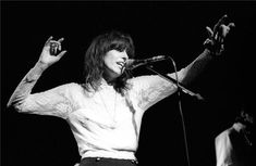 """Classic Rock In Pics on Twitter: """"Chrissie Hynde in New York City, 1994. Photo by Ebet Roberts… """" New Music, Good Music, Chrissie Hynde, Irving Plaza, The Pretenders, Women In Music, Post Punk, Popular Music, Black And White Pictures"""
