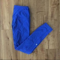 Lulu Toasty Tech Tights Size 4 royal blue Lululemon toasty tech tights/leggings. Super cute and comfy! Some piling on butt and lower thigh area, not very noticeable. Can do less on merc! lululemon athletica Pants Leggings