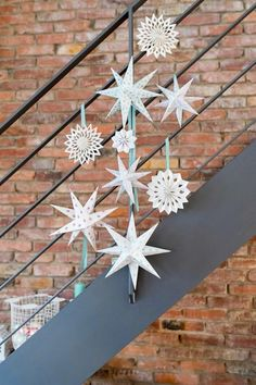Estrellas de papel de colores para Navidad