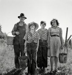 """August 1939. """"Marion County, Oregon. Family came from Albany, Oregon, for a season's work in the beans."""""""