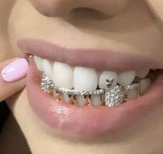 Cute Jewelry, Body Jewelry, Jewelry Accessories, Gems Jewelry, Tooth Jewelry, Wedding Accessories, Bijoux Piercing Septum, Tongue Piercings, Cartilage Piercings