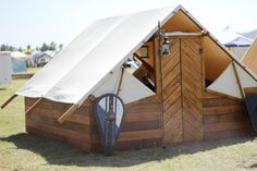 Some Viking re-enactor got jealous of yurts.... this is probably an easy way to camp. Would be awesome to make/have!