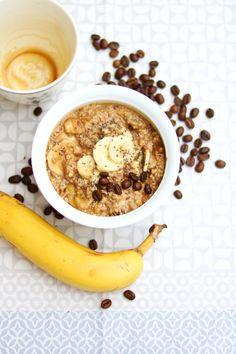 Kaffee-Bananen-Dattel Frühstück für Führungskräfte, Studenten und Sportler