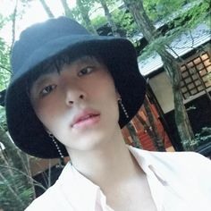 IKON Junhoe June Koo Jun Hoe, Ikon Kpop, Kim Ji Won, Korean Bands, Hanbin, Kpop Aesthetic, Boyfriend Material, Webtoon, Fotografia