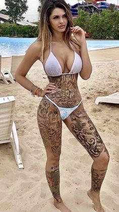 Hot Bikini Babe 😍visit us fo rmore Hot Tattoo Girls, Tattoed Girls, Inked Girls, Sexy Tattoos, Girl Tattoos, Sexy Bikini, Bikini Girls, Tattoo Und Piercing, Sexy Poses