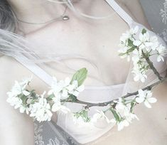 Image uploaded by gabidino. Find images and videos about white, aesthetic and flowers on We Heart It - the app to get lost in what you love. Ruki Mukami, Madonna, The Ancient Magus Bride, Grunge, White Aesthetic, Pale Skin, Up Girl, Ethereal, Human Body