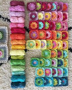 Transcendent Crochet a Solid Granny Square Ideas. Inconceivable Crochet a Solid Granny Square Ideas. Point Granny Au Crochet, Crochet Flower Squares, Crochet Motifs, Crochet Blocks, Granny Square Crochet Pattern, Crochet Flower Patterns, Crochet Afghans, Crochet Blanket Patterns, Crochet Flowers