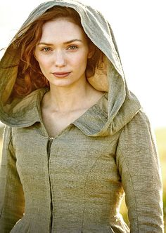 AS MILLIONS prepare to tune in to tonight's final episode of Poldark, its Beverley star has become a hot target for the paparazzi. Eleanor Tomlinson, who is leading lady Demelza in hit period. Poldark 2015, Demelza Poldark, Poldark Series, Ross Poldark, Eleanor Tomlinson, Acteurs Poldark, Ross And Demelza, Aidan Turner Poldark, Fantasy Costumes