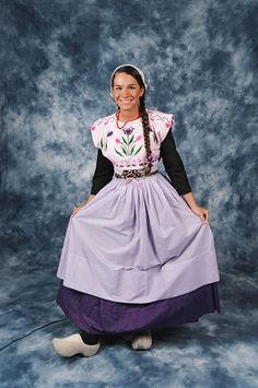 Dutch Dance Costumes - Tulip Time, May 2018 - Holland, Michigan Skirt Fashion, Fashion Dresses, Fashion Fashion, Fashion Shoes, Ethnic Dress, Fashion Design Sketches, Folk Costume, Classy Dress, Dance Costumes