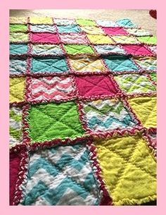 You can learn how to make a rag quilt with these step by step video tutorials. Perfect first quilting project! How to make a rag quilt easy beginner s guide 12 Sewing Patterns Tips This type of photo is truly a noteworthy style procedure. Quilting For Beginners, Quilting Tutorials, Sewing For Beginners, Sewing Tutorials, Sewing Projects, Sewing Tips, Sewing Ideas, Beginner Quilting, Quilting Projects