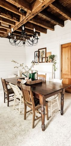 Diana Marie Home Simple Spring Farmhouse Diana, Farmhouse Interior, French Farmhouse, Modern Farmhouse, Farmhouse Style, Farmhouse Decor, Elegant Kitchens, Kitchen Dining, Dining Rooms