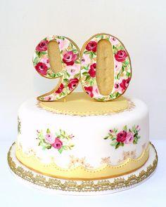 Vintage Teacupcake by neviepiecakes, via Flickr