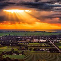 Barossa Valley, South Australia - a major wine producing area in Oz ! Perth, Brisbane, Melbourne, Adelaide South Australia, Western Australia, Australia Travel, Tasmania, Terra Australis, Destinations