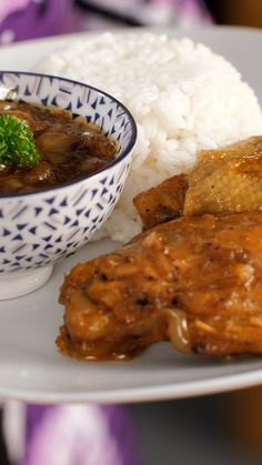 Poulet yassa - The Best Cuban Recipes Healthy Lunches For Kids, Easy Healthy Recipes, Easy Meals, Vegan Dishes, Food Dishes, West African Food, Haitian Food Recipes, Nigerian Food, Taste Made