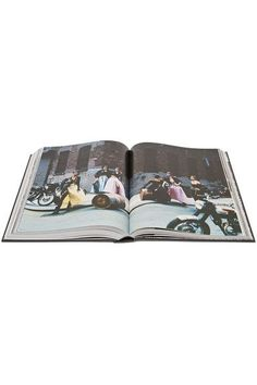 Phaidon - Grace: Thirty Years Of Fashion At Vogue Hardcover Book - Black - one size