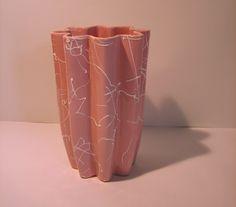 Beauceware #258 Vase - Céramique de Beauce Milk Glass, Pottery, Vase, Mugs, Retro, Tableware, Ceramica, Dinnerware, Pottery Marks