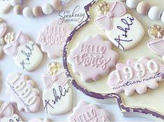 Happy Birthday Cookie, 23rd Birthday, 30th Birthday Parties, Birthday Woman, Birthday Cookies, Diy New Years Party, Cookie Designs, Cookie Ideas, Sugar Cookies