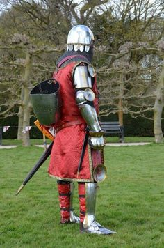 14th century Knight in armour