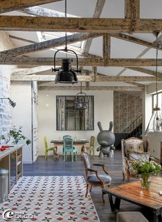Industrial chic with feminine charm: 2 stylish loft interiors from Paris. - Modern Interior and Decor Ideas Decor, Home, House Design, Sweet Home, Furniture, Stylish Loft, Loft Interiors, Interior Design, Living Spaces