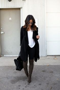 Amazing 46 Stunning Fall Outfits With Cardigan from https://www.fashionetter.com/2017/06/09/46-stunning-fall-outfits-cardigan/ #cardiganfall