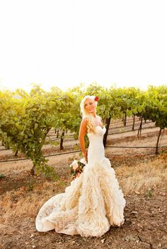 That dress! Wow-if I could pick another wedding dress!......