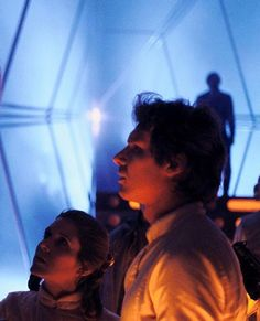 Star Wars Carrie Fisher and Harrison Ford on set Star Wars Film, Star Wars Cast, Humour Geek, Princesa Leia, Han And Leia, Star Wars Pictures, Pulp, Original Trilogy, Star War 3