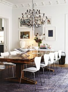 Tour+the+Most+Beautiful+Townhouses+With+Modern,+Eclectic+Style+via+@domainehome