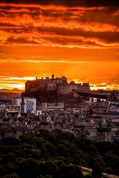 Edinburgh Castle with an outstanding sunset. Taken from The Queens Drive. Scotland Uk, Edinburgh Scotland, Glasgow, Places To Travel, Places To See, Birmingham, Travel Around The World, Around The Worlds, England Ireland