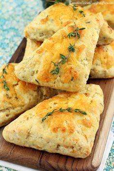 It's basically a biscuit shaped like a pizza slice.  Get the recipe from Cinnamon, Spice, and Everything Nice.   - Delish.com