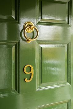 Front Door Paint Colors - Want a quick makeover? Paint your front door a different color. Here a pretty front door color ideas to improve your home's curb appeal and add more style! Best Exterior Paint, Exterior Paint Colors For House, Paint Colors For Home, Exterior Colors, Paint Colours, Exterior Design, Front Door Paint Colors, Painted Front Doors, Green Painted Furniture