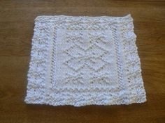 Welcome in Winter with this wonderful hand knit cotton super snowflake cloth. ~~ Hand Knit Super Snowflake White Cotton Dish Cloth or Wash Cloth ~~ by Knitting Kits, Knitting Projects, Hand Knitting, Knitting Patterns, Crochet Patterns, Knitted Washcloths, Crochet Dishcloths, Knit Or Crochet, Knitting Squares