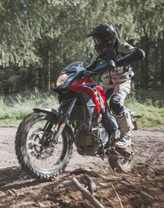 Rally Raid-modified CB500X, reviewed by Brake Magazine. I own the CBR500R and I tend to think that engine would be quite nice off-road - if it wasn't so bloody heavy. Weight is surely this bike's primary weakness.