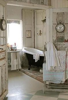 12 Easy Shabby Chic Bathroom Decor Plans To Consider For Your Apartment | 098082e93ebf7d806f5c5f142870b1a7 | #shabbychic #shabby_chic_bathroom