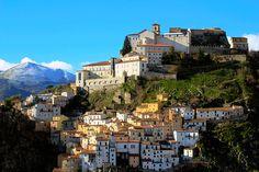 il castello di Muro Lucano - Basilicata. 40°45′00″N 15°29′00″E