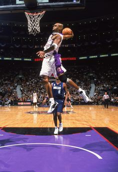 Air Canada doing his thing; he was the greatest player when I was a kid.