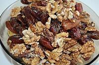 Fursecuri cu crema de curmale - LaLena.ro Beans, Chicken, Vegetables, Food, Essen, Vegetable Recipes, Meals, Yemek, Beans Recipes