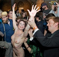 Nude girls pose tube