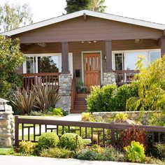 Manufactured Home Decorating Curb Appeal Landscaping 92 Craftsman Front Doors, Craftsman Columns, Craftsman Porch, Craftsman Cottage, Craftsman Exterior, Manufactured Home Decorating, Craftsman Style Homes, Curb Appeal, Beautiful Homes