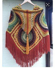 Ben bunu pek beğendim ilk fırsatta yapmak istiyorumm  #örgü #knitting #panço #tığişi #pinterest pinterest alıntı