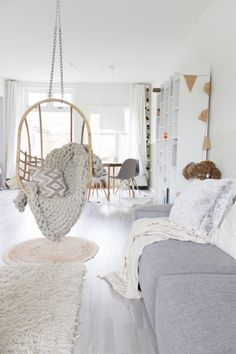 ▷ 1001 + decorating ideas lounge cocooning style hygge - Home Page My Living Room, Living Room Remodel, Living Room Decor, Lounge Decor, Minimalist Room, Scandinavian Living, Living Room Inspiration, Hanging Chair, Interior Design