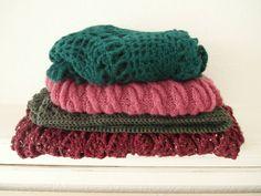 Enkele sjaals die ik afgelopen maanden gemaakt heb de onderste is de gehaakte kanten sjaal van @wolplein  gehaakt met #tweedgaren van de Zeeman. Echt een heerlijk zachte en warme sjaal geworden. Als het  zo blijft schijnen zal ik ze heel binnenkort weer moeten opbergen. Jammer maar dit heerlijke lenteweer in de plaats is ook goed  Hopelijk kunnen jullie er ook van genieten heel fijne dag nog!   #sjaals #scarves #wrap #shawls #dropsalpacasilkbrushed #dropsnepal #knittersofinstagram #knitter…