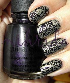 Artistic nails!