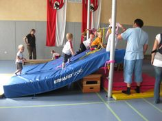 Up the mountain! Occupational Therapy, Physical Therapy, Physical Education, Kids Gym, Exercise For Kids, Motor Activities, Activities For Kids, School Bo, Pe Ideas