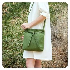 This is one of the nicest bags I've seen recently the colour is amazing. This is by Tel-Aviv based designer @ronikantor