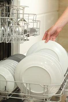 Laver ses assiettes efficacement au lave-vaisselle : Percarbonate de sodium : des idées malines pour l'utiliser - Linternaute