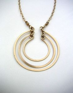 Gold Open Circles Pendant 3 Circles Necklace Layered Rings Pendant Hammered Wire Jewelry Gold Chain Necklace - Open Circles Necklace – Hammered Wire Jewelry – Layered Open Rings Pendant – Brushed Metal W - Wire Wrapped Jewelry, Metal Jewelry, Gold Jewelry, Beaded Jewelry, Jewelry Accessories, Handmade Jewelry, Jewelry Design, Jewellery Box, Jewellery Shops