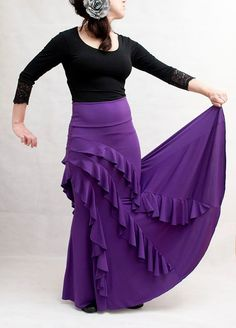 Violeta Flamenco Skirt by on Etsy Flamenco Costume, Flamenco Skirt, Dance Costumes, Ballet Skirt, Belly Dance, New Outfits, Different Styles, Blouse Designs, Everyday Fashion