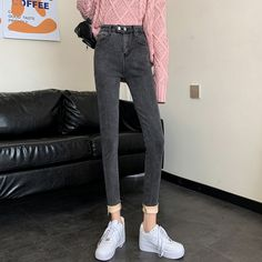 Women In China, Mom Jeans, Goals, Kpop, Legs, Winter, Pants, Outfits, Fashion